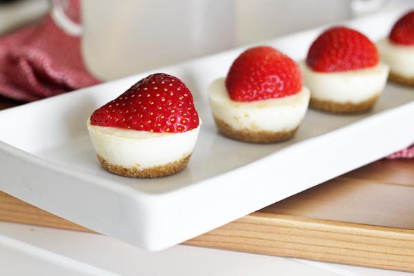 Strawberry Lemonade Tart Bites | Formal Fringe