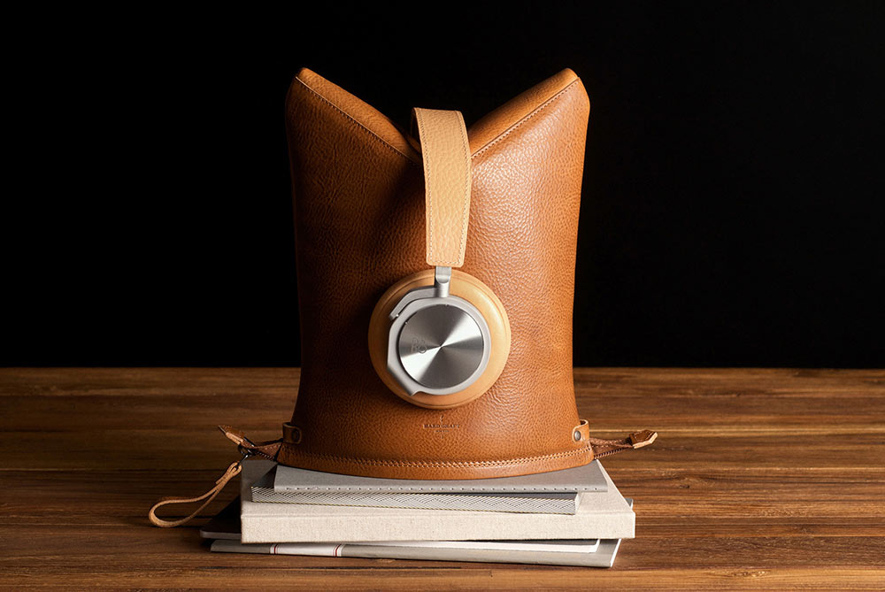 Hard Graft Peak Leather Headphone Case & Stand in One